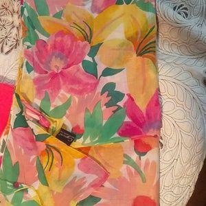 Sarong wrap floral.